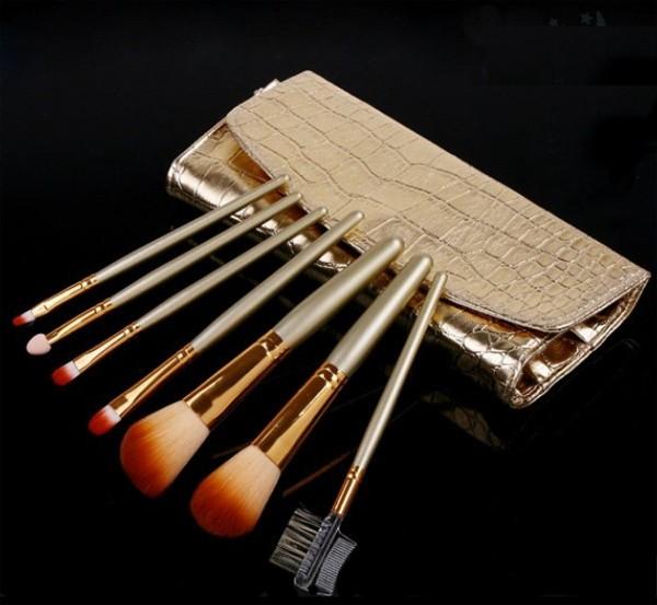 Profesionální sada 7 kosmetických štětců Make-Up s kabelkou
